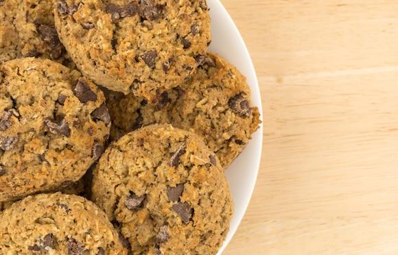 Banana-sweetened oatmeal chocolate chip cookies