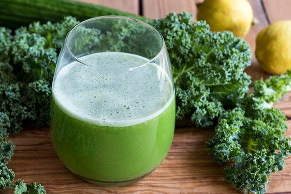 Green juice with kale, cucumber, and lemon