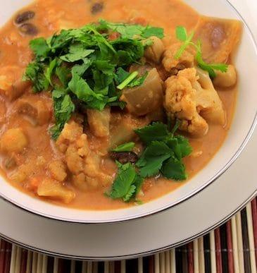 Slow Cooker Cauliflower Indian Stew