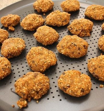 Carrot Pulp Cookies from Carrie on Living | www.cleaneatingkitchen.com