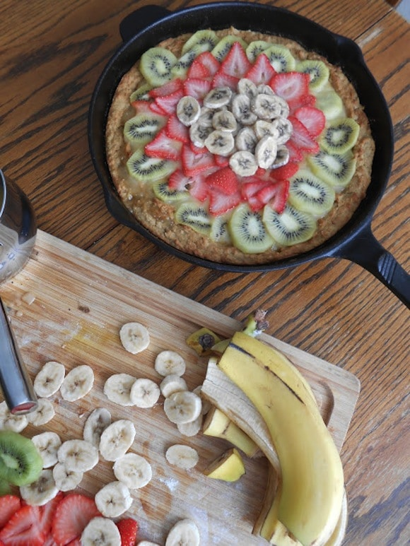 Lemony Deep Dish Fruit Pizza from Flora Foodie