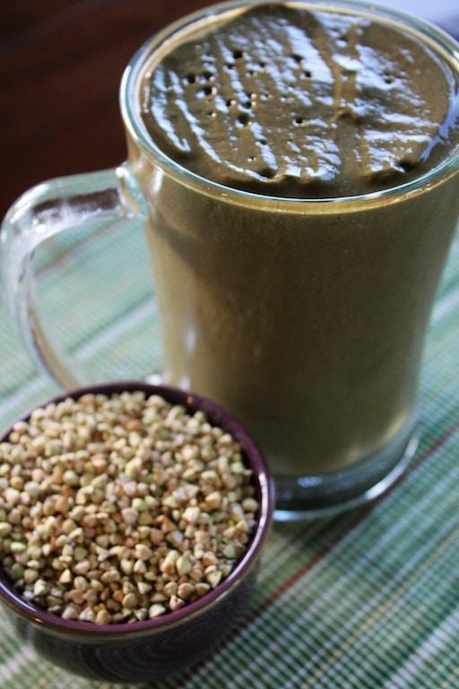 Dandelion green smoothie with buckwheat groats.