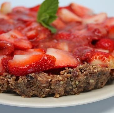 Raw Strawberry Tart all pretty.