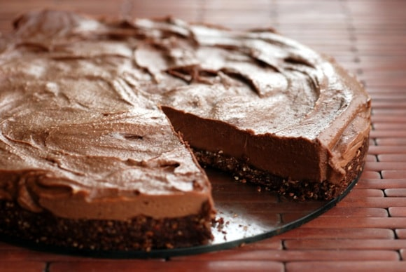 Almost Raw Chocolate Hazelnut Cheesecake from The Taste Space