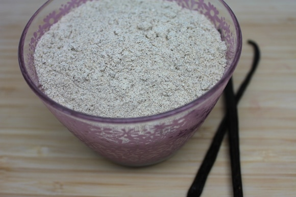 Homemade Vanilla Powder