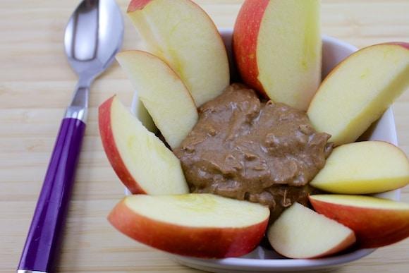Dessert hummus with apple