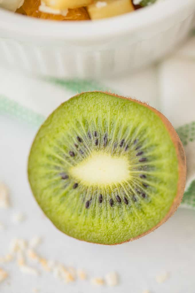 picture of cut kiwi fruit