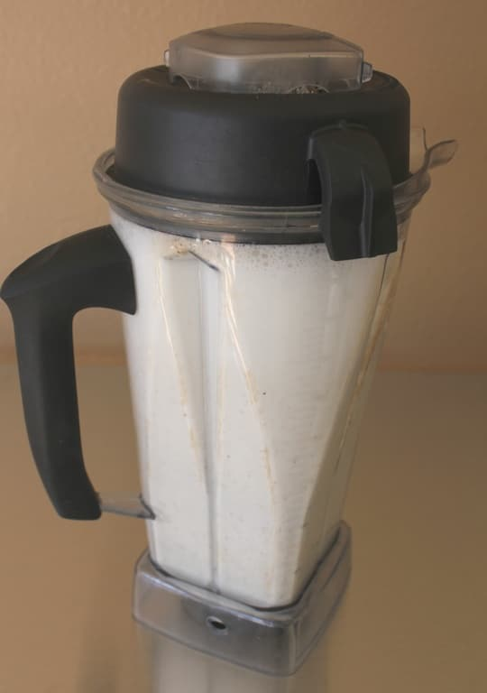 Homemade Unsweetened Almond Milk from Carrie on Living | www.cleaneatingkitchen.com