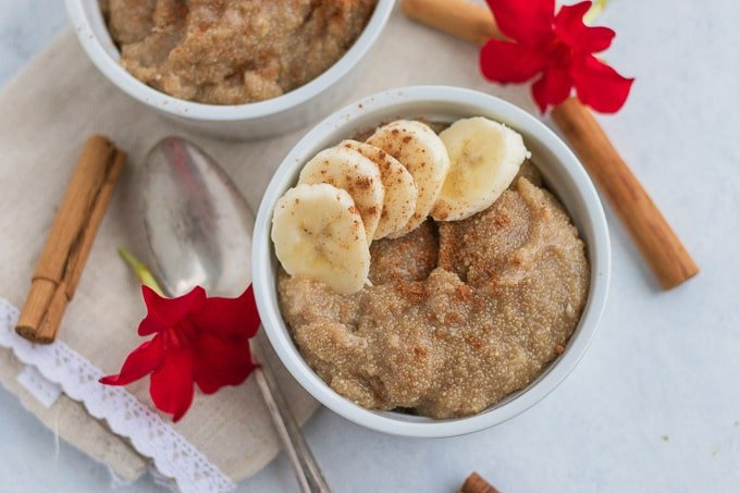 instant pot amaranth breakfast in a white bowl