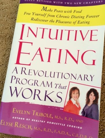 Intuitive Eating book featured on Carrie on Living | www.cleaneatingkitchen.com