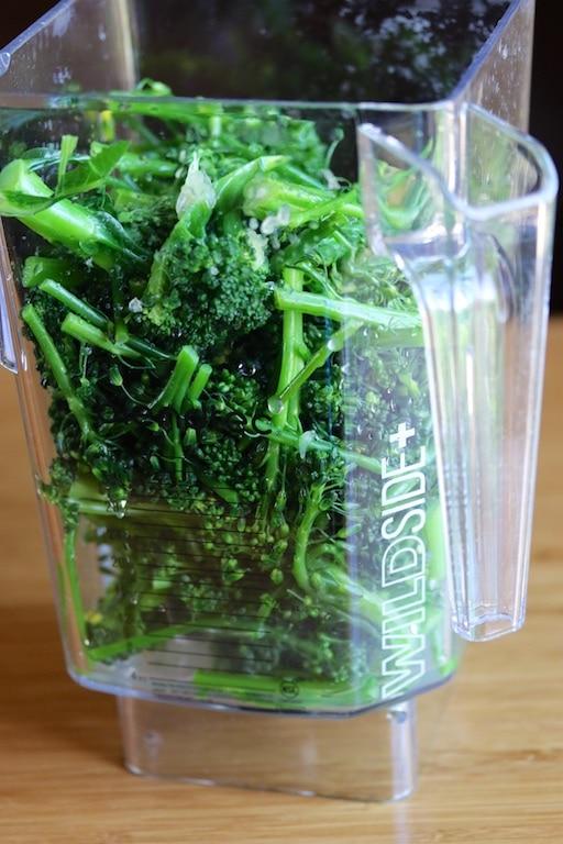 Broccoli in blender