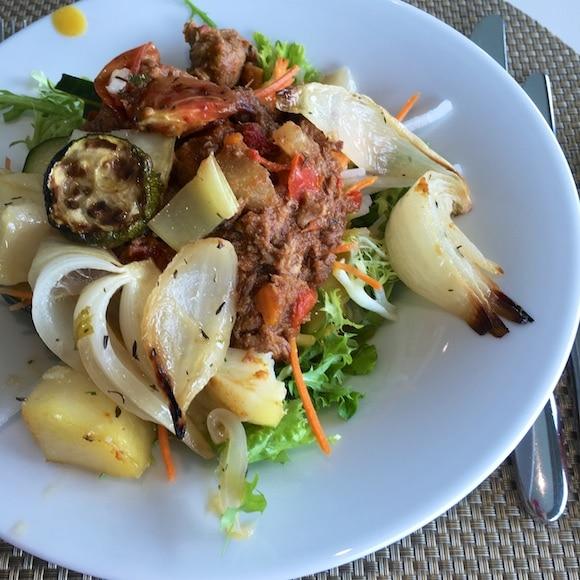 Salad with pot roast