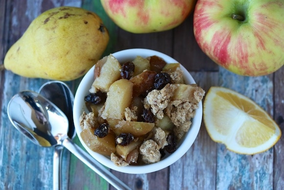 Apple Pear Crumble with raisins