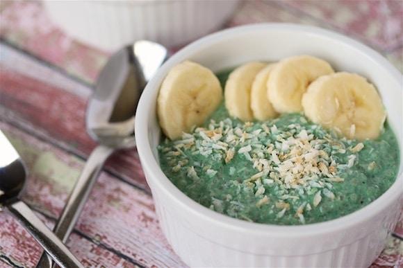 Vanilla Bean and Green Chia Pudding bowls