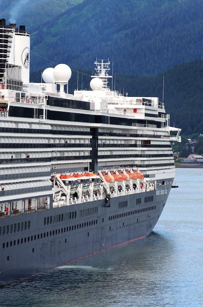 side angle cruise ship