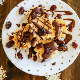 holiday spice vegan cheesecakes on a plate