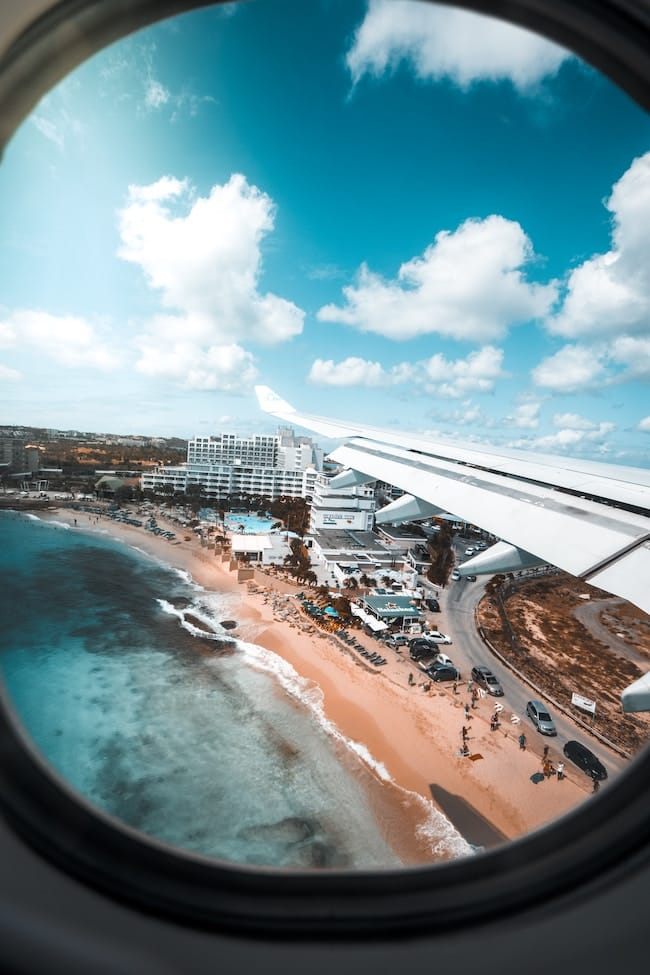 airplane landing on island