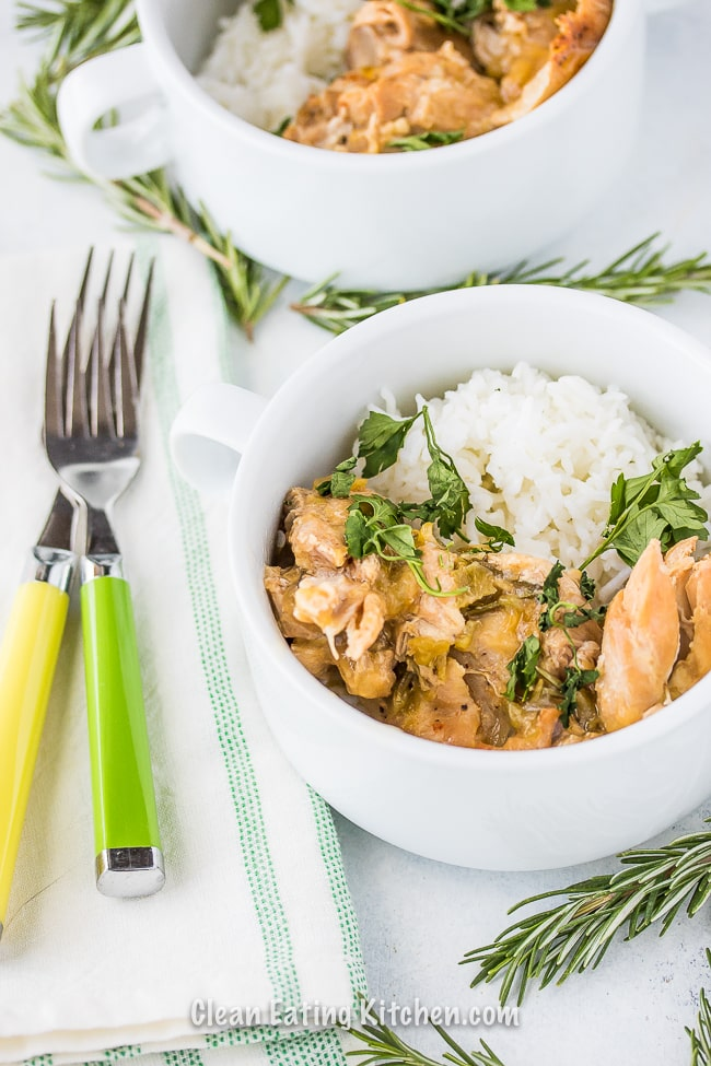 crockpot chicken thighs with green chiles and forks