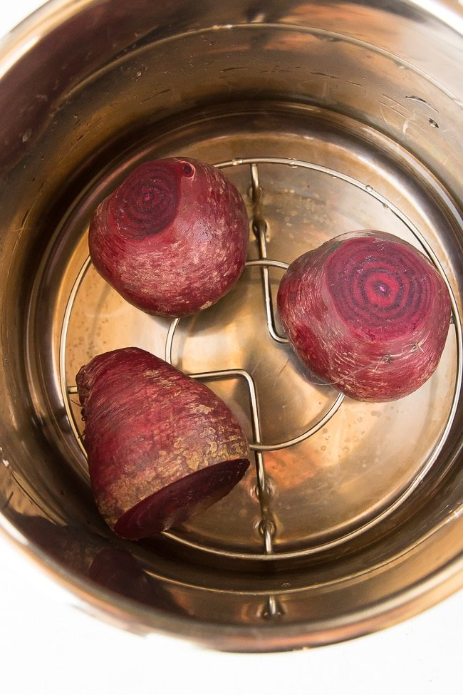 beets in instant pot pressure cooker with water and trivet
