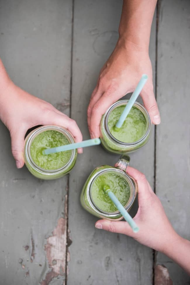 Green smoothies with friends cheers