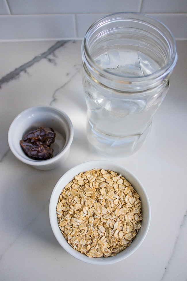 oat milk ingredients including water, dates, and oats