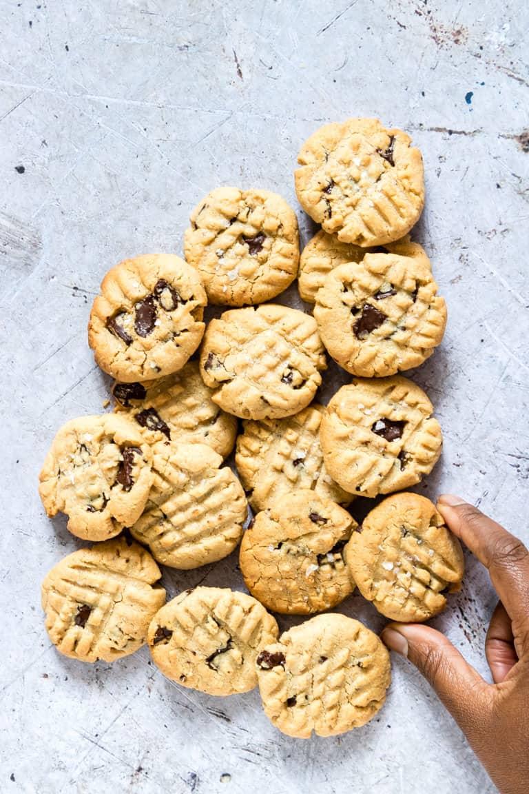 salted chocolate vegan peanut butter cookies