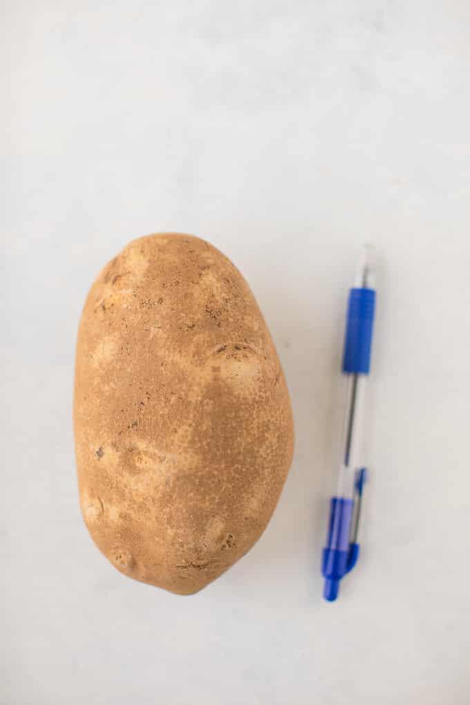 ballpoint pen to measure size of russet potato