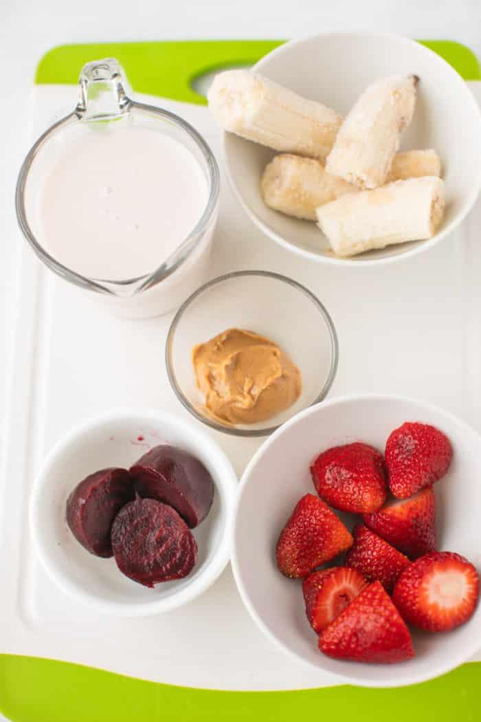 strawberry beet smoothie ingredients