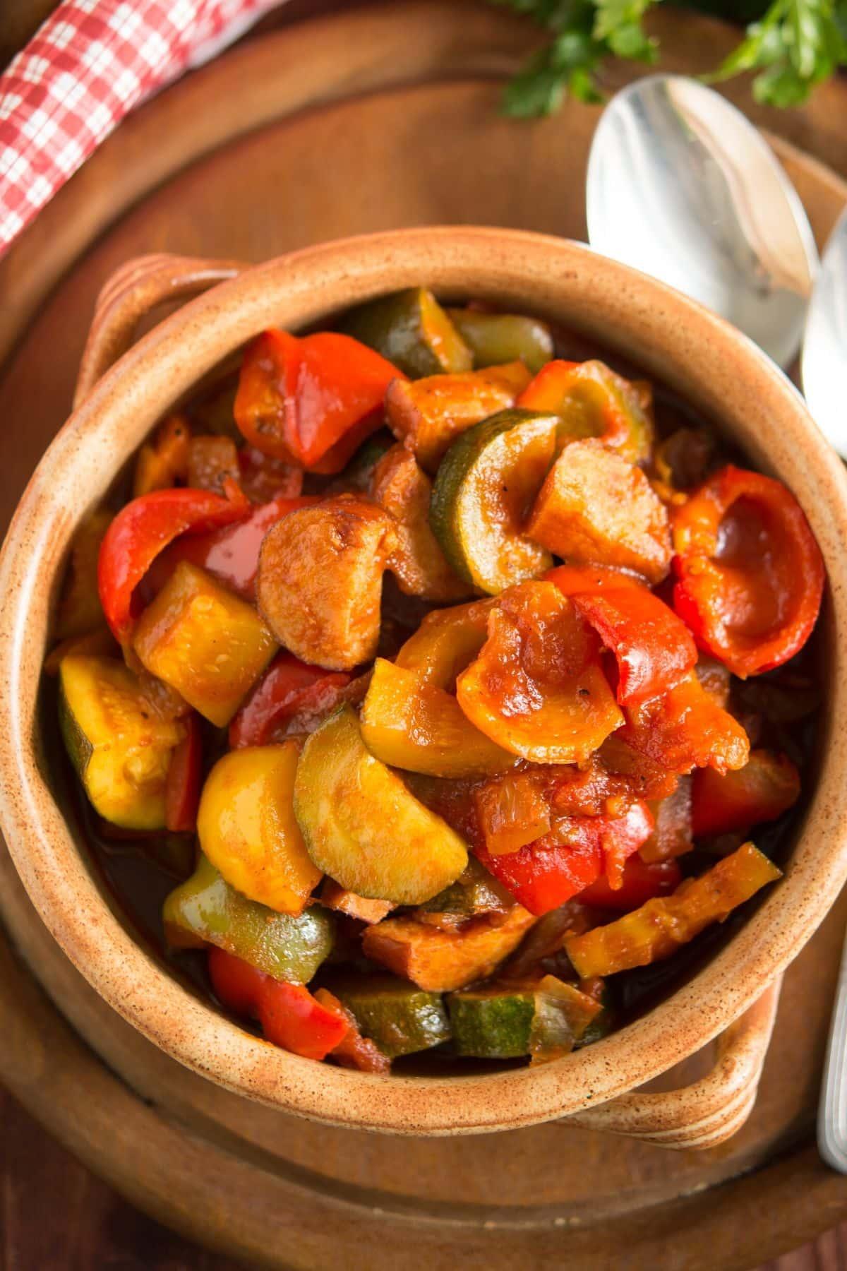 zucchini with tomato sauce