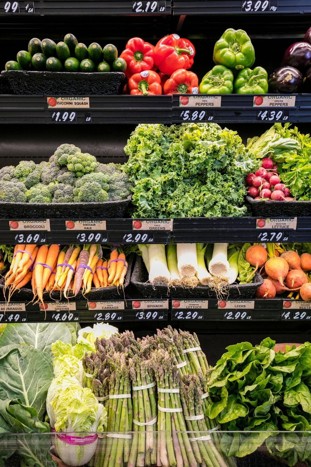organic produce shelf at a grocery store