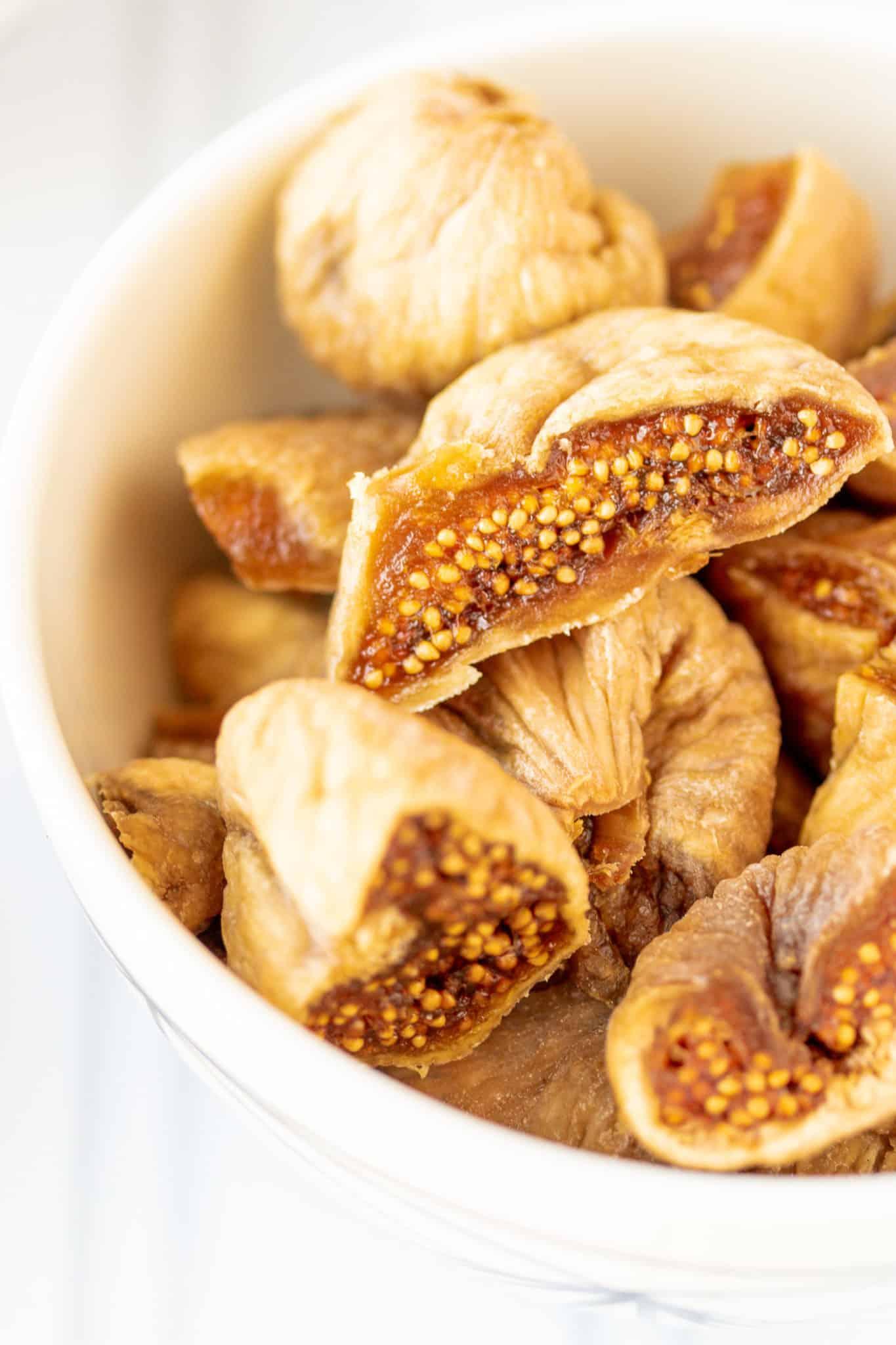 dried figs cut in half