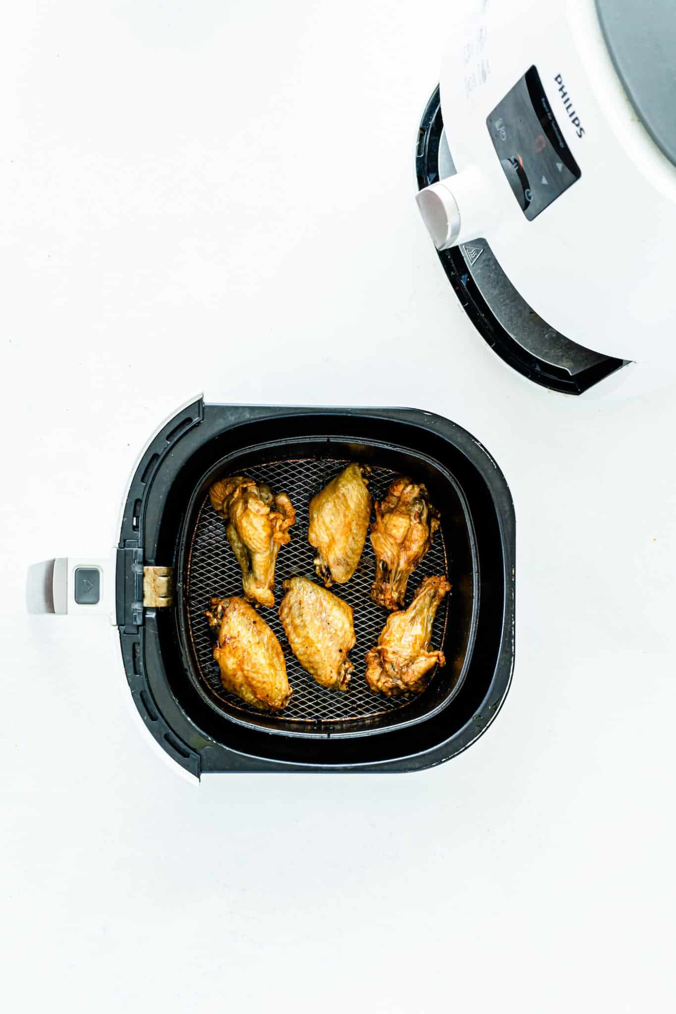 cooked chicken wings in air fryer