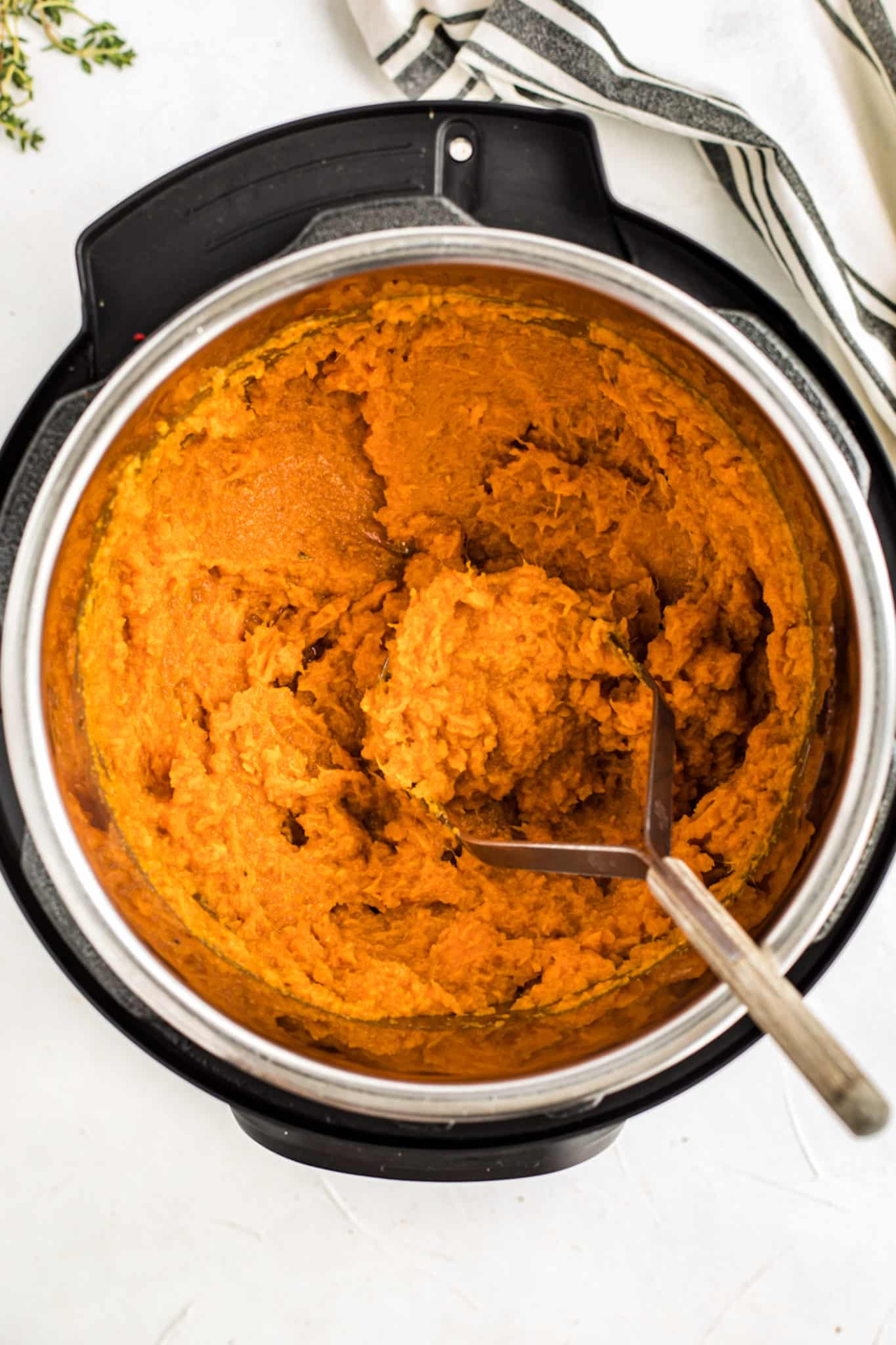mashed sweet potatoes in an instant pot
