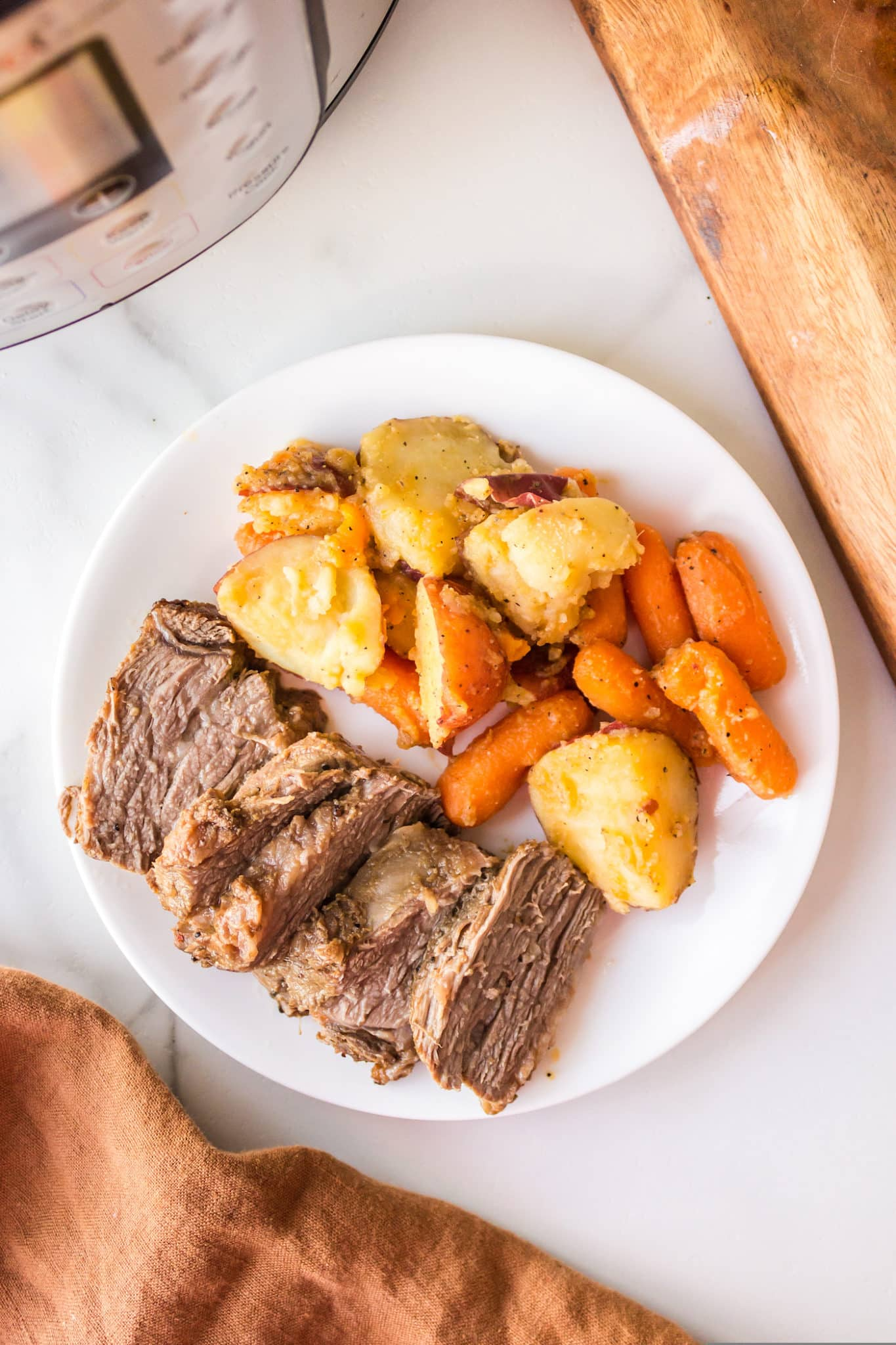 tri tip with potatoes and carrots