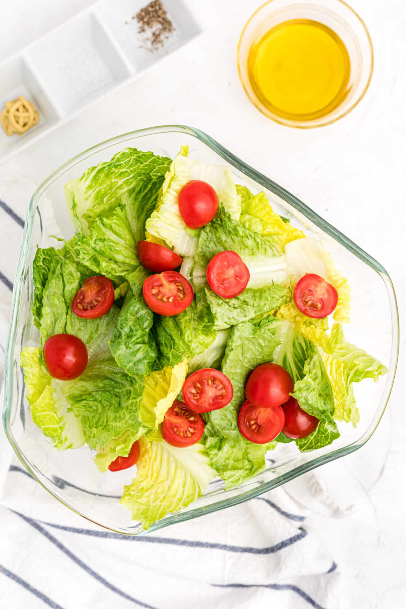 Romaine salad with a vinaigrette and tomatoes