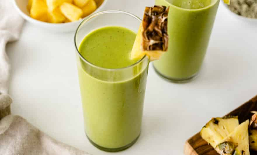 green pineapple mango smoothie