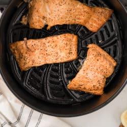 salmon filets in air fryer basket