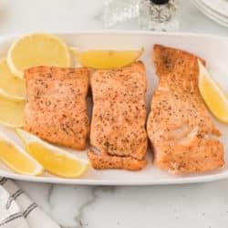 air fryer salmon with lemon