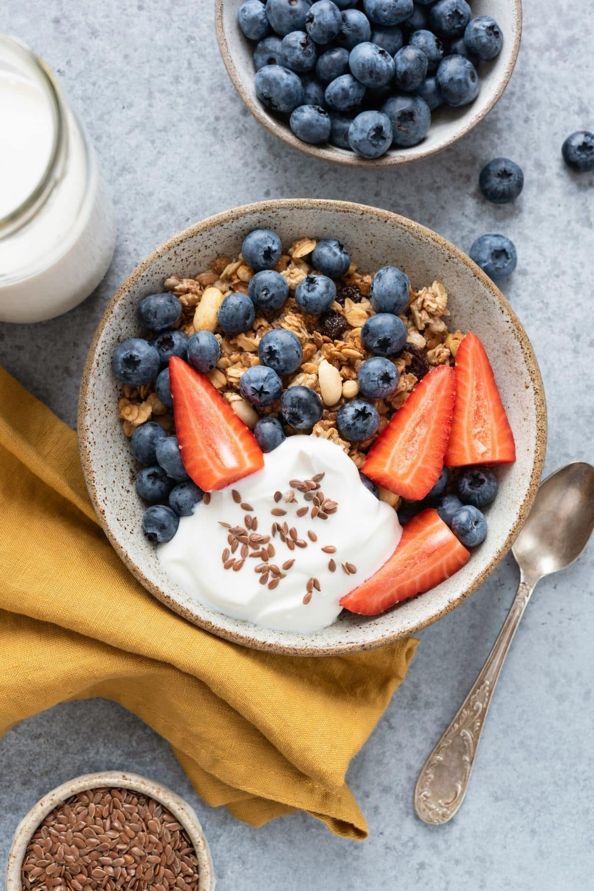 granola with fruit