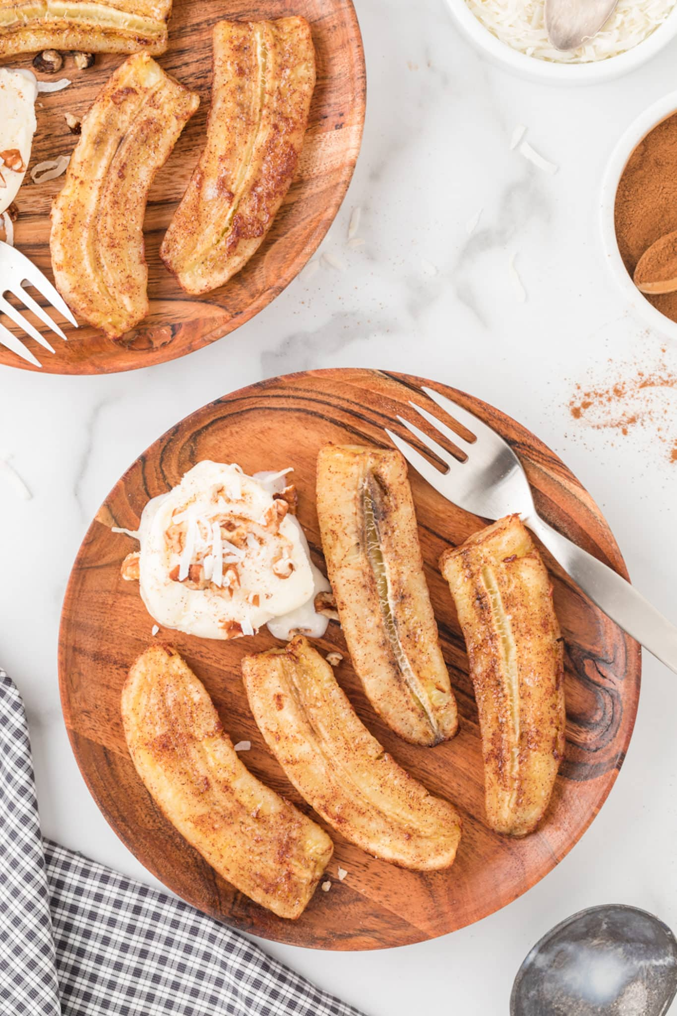 air fryer bananas with ice cream